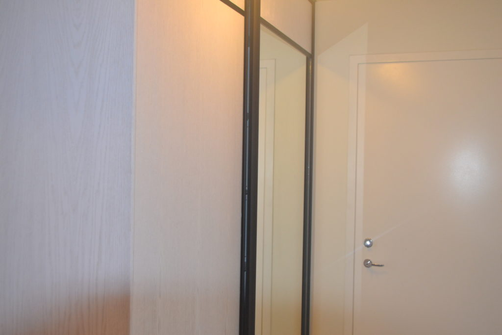Garderoob 4